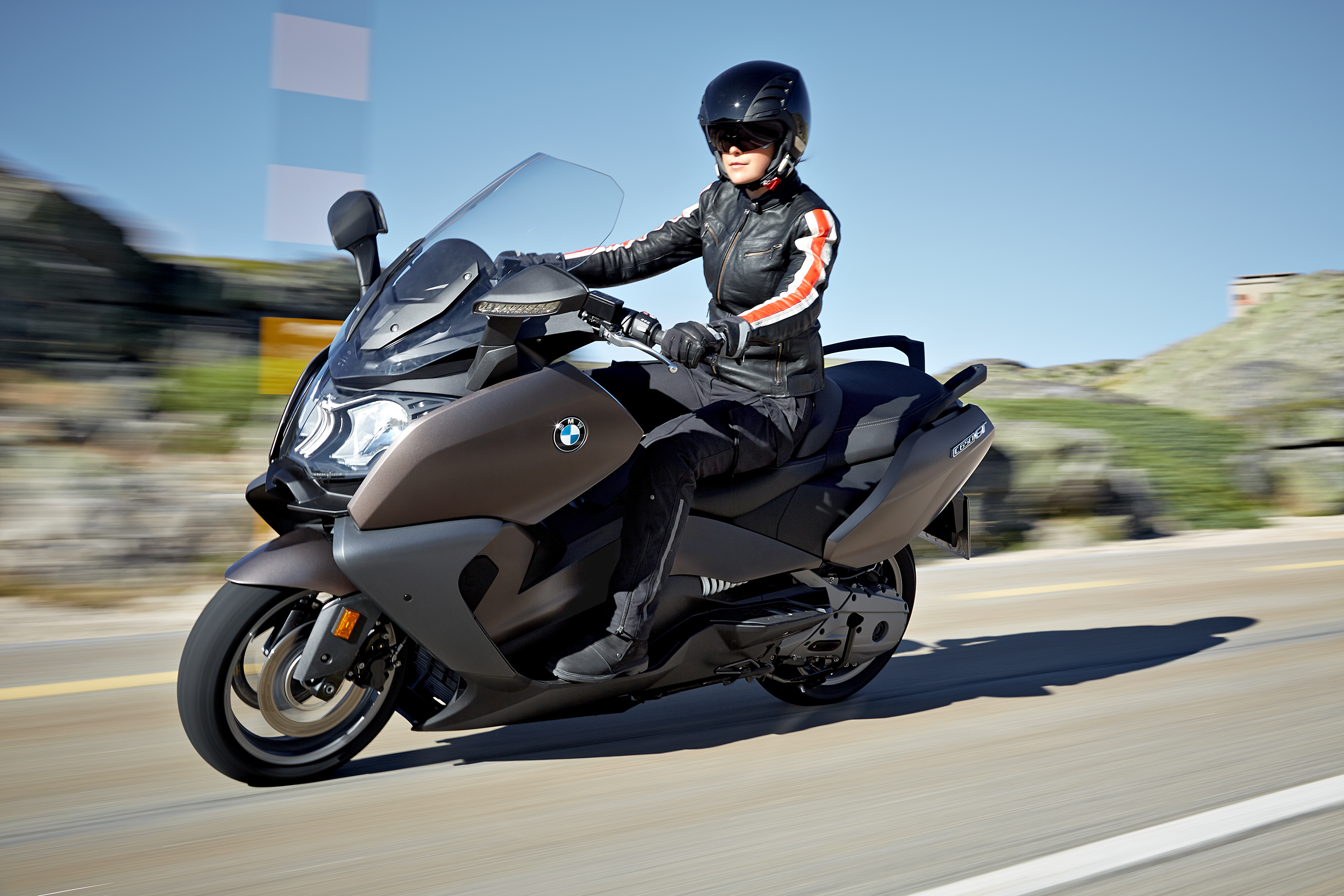new bmw c 650 sport and c 650 gt maxi scooters bike review. Black Bedroom Furniture Sets. Home Design Ideas