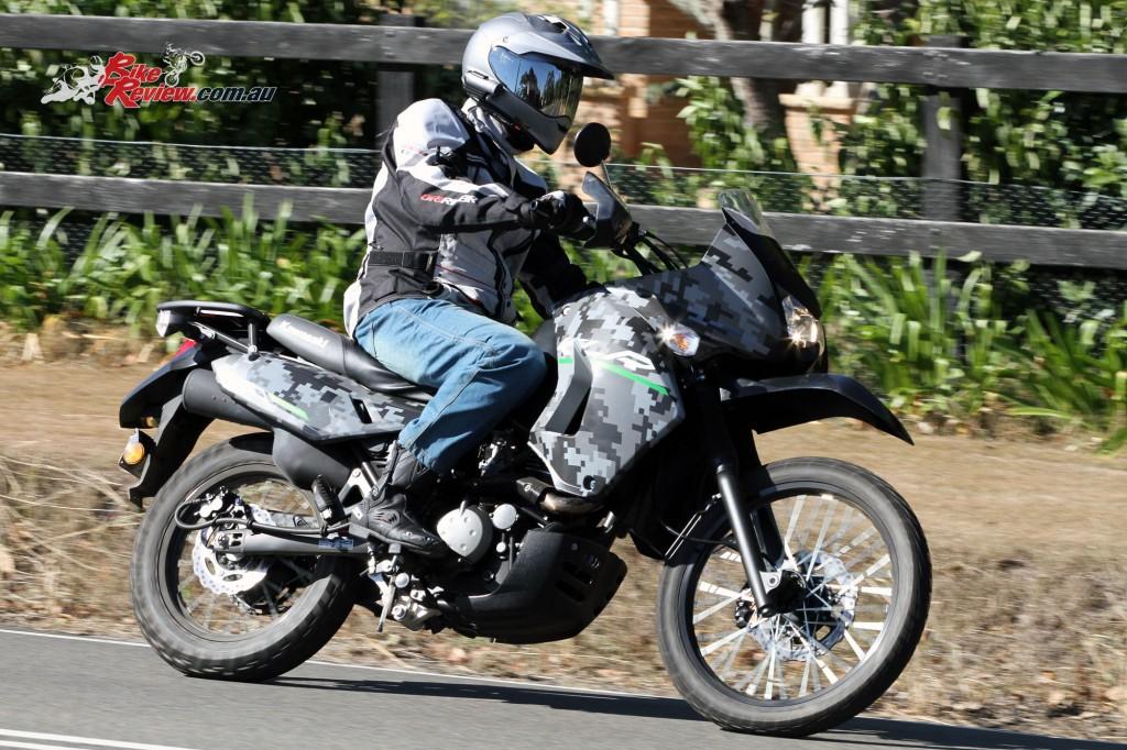 2016 Kawasaki KLR650 Bike Review Actions (3)