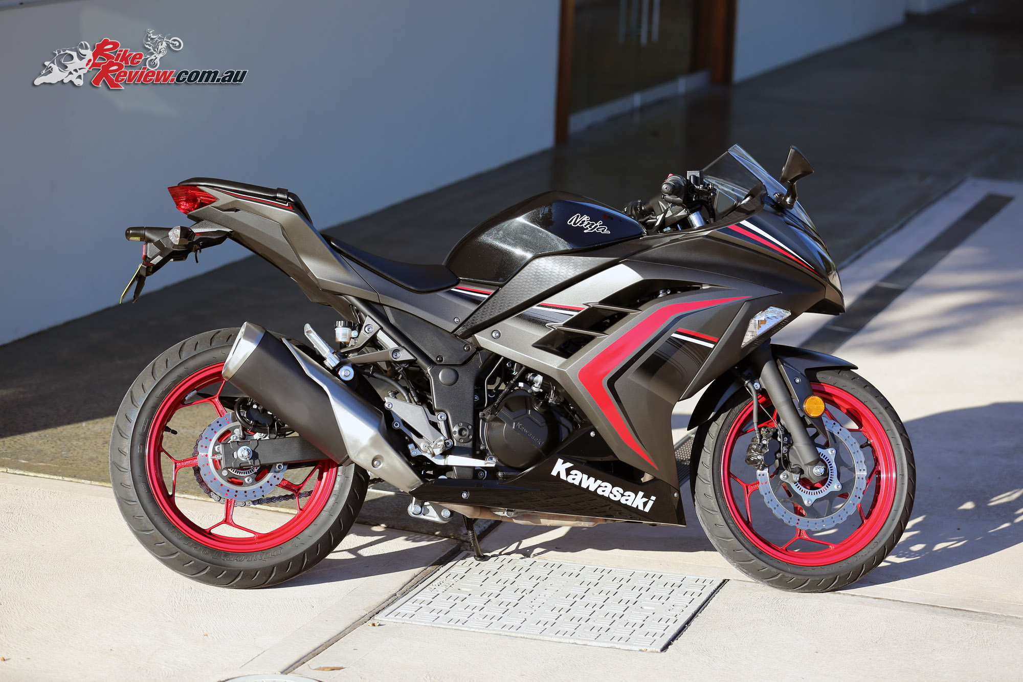 review 2016 kawasaki ninja 300 bike review. Black Bedroom Furniture Sets. Home Design Ideas