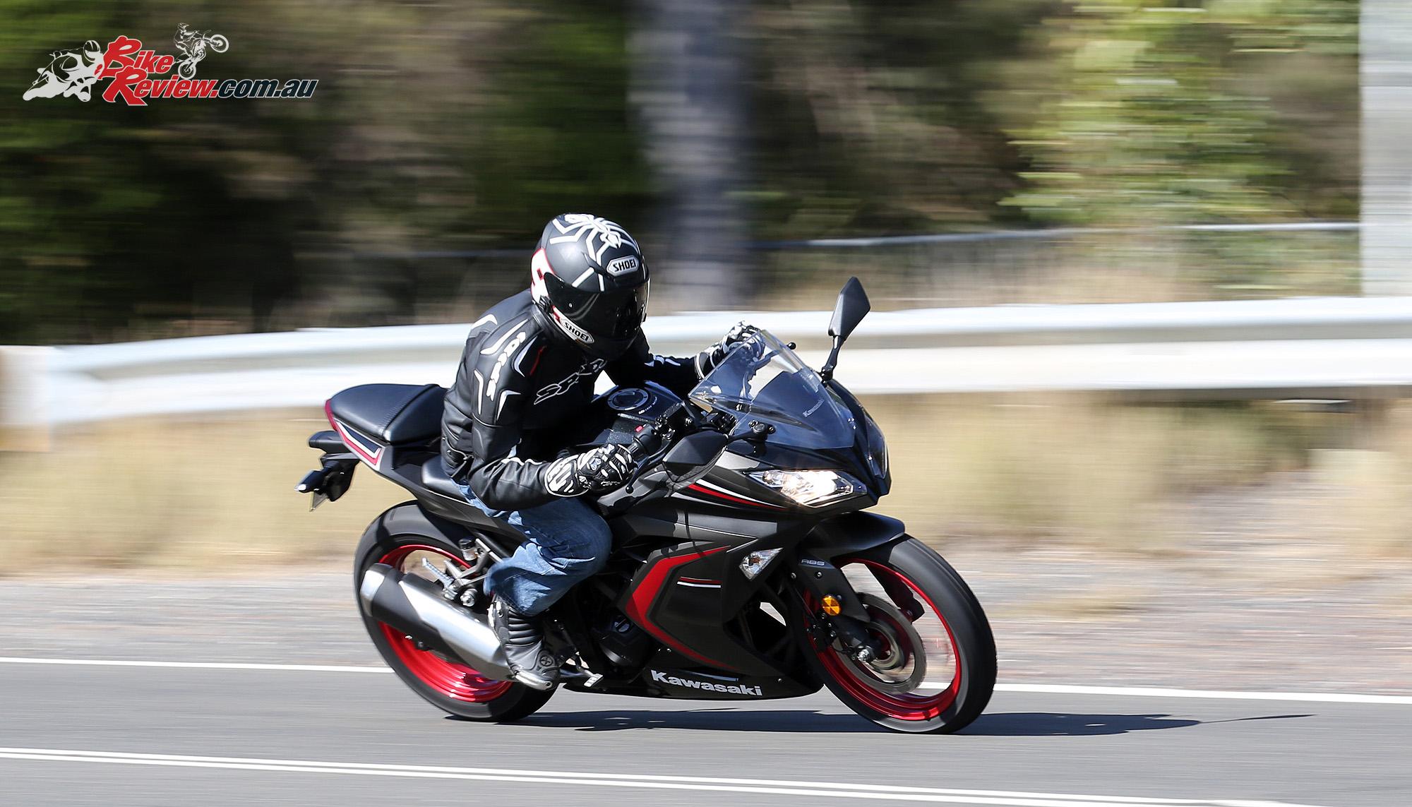 Review 2016 Kawasaki Ninja 300 Bike Review