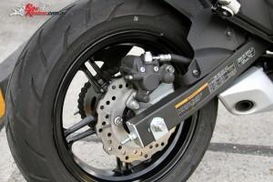 2016 Kawasaki Z125 Pro Bike Review Det (5)