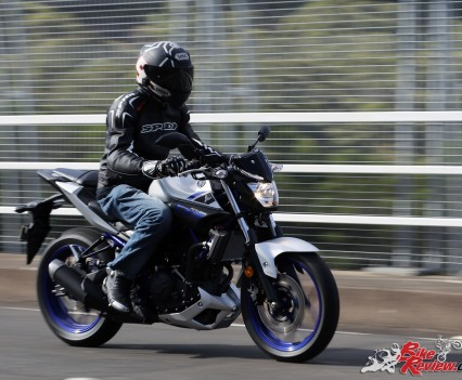 2016 Yamaha MT-03 Bike Review Actions (10)