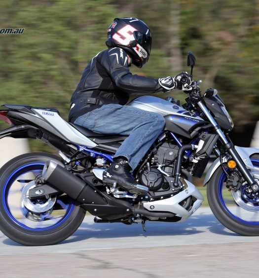 2016 Yamaha MT-03 Bike Review Actions (2)