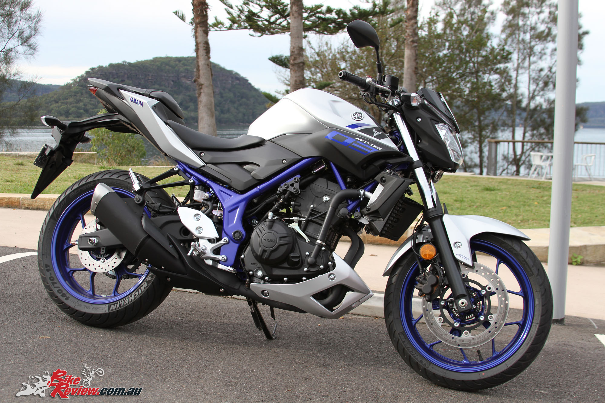 Review 2016 yamaha mt 03 bike review for Yamaha mt 03