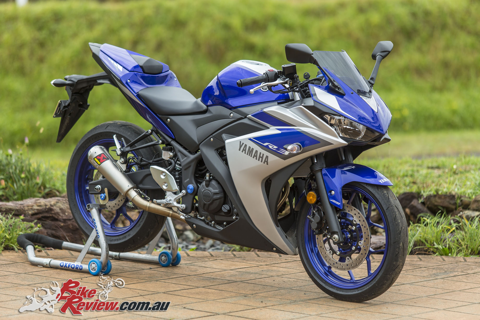 review 2015 yamaha yzf r3 bike review. Black Bedroom Furniture Sets. Home Design Ideas