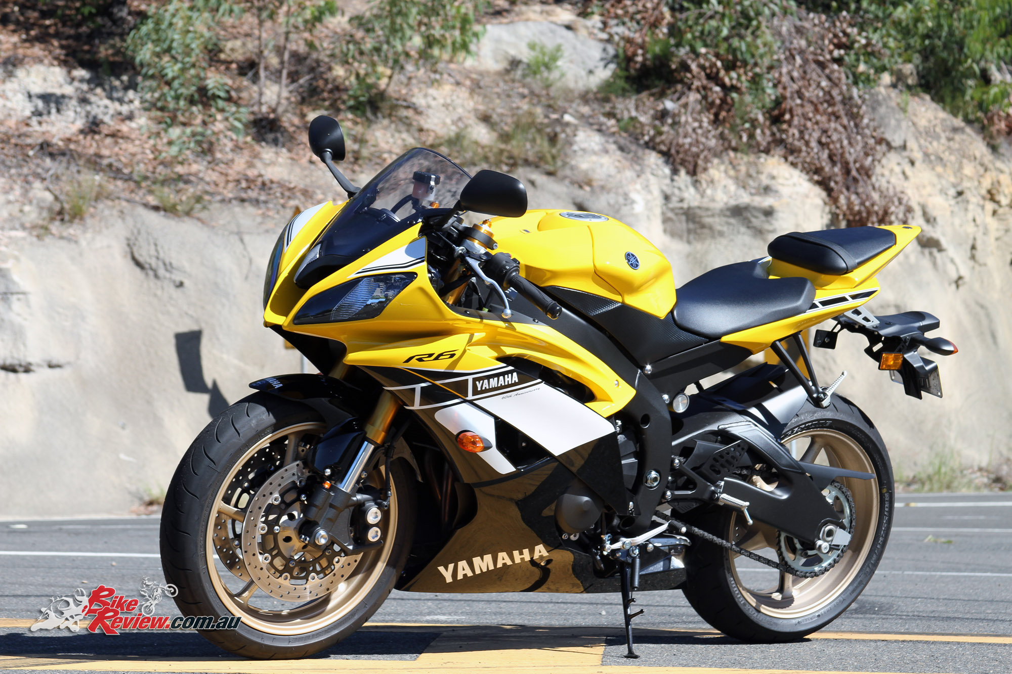 Bike Review 2016 Yamaha YZF R6 SE 60th Statics 3
