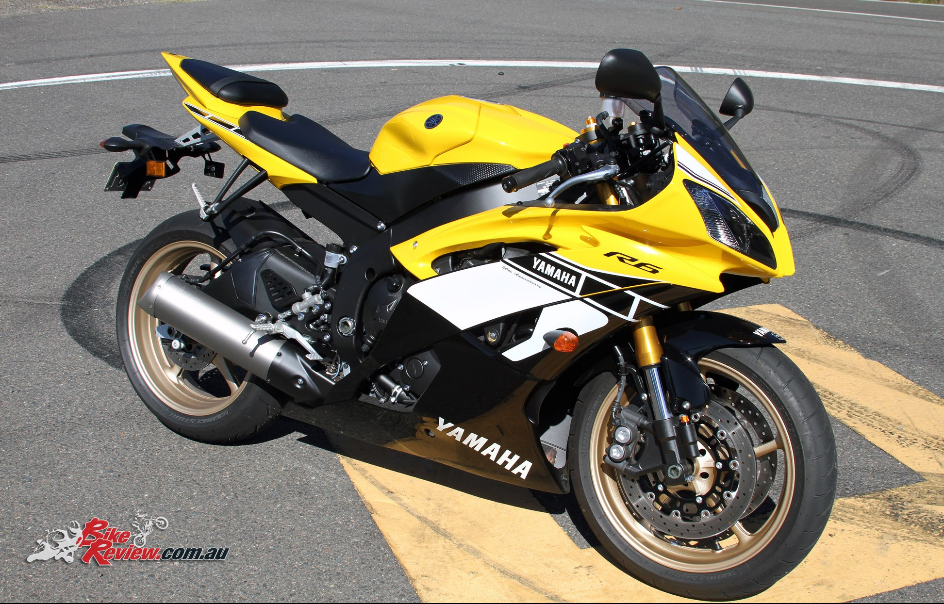 Review 2016 yamaha yzf r6 60th anniversary edition for Yamaha r6 motorcycle