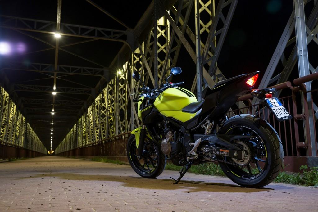 16YM Honda CB500F. *Overseas model shown