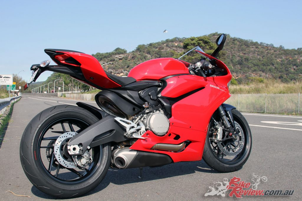 2016 Ducati 959 Bike Review (1)
