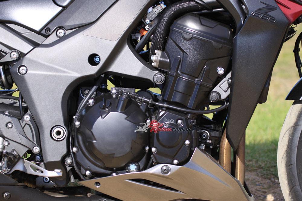 2016 Kawasaki Z1000 Bike Review20160524_0557