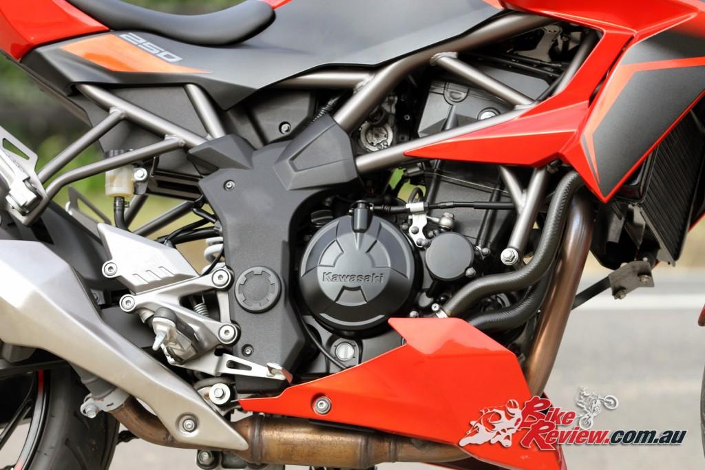 2016 Kawasaki Z250 SL Bike Review (11)