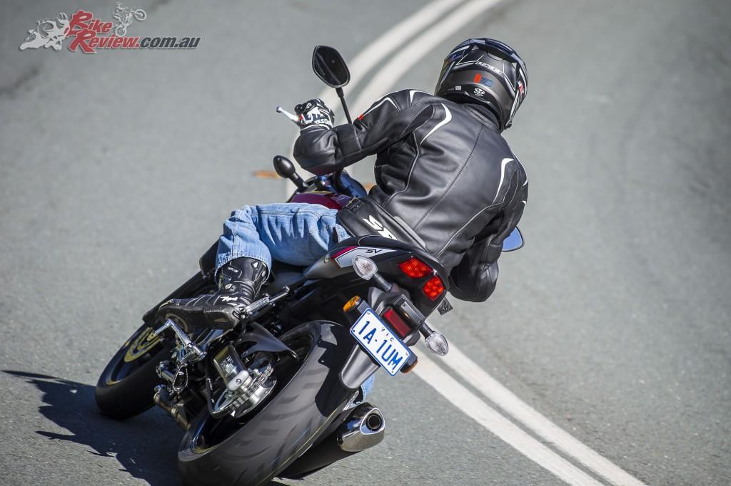2016 Suzuki SV650 LAMS Bike Review Action (17)