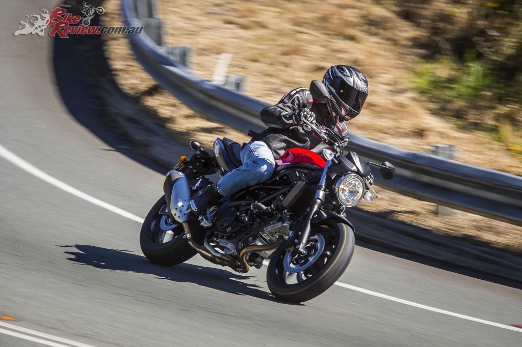 2016 Suzuki SV650 LAMS Bike Review Action (20)