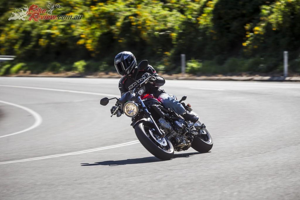 2017 Suzuki SV650 LAMS Bike Review Action (22)