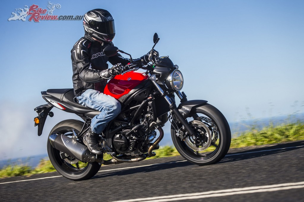 2017 Suzuki SV650 LAMS Bike Review Action (34)