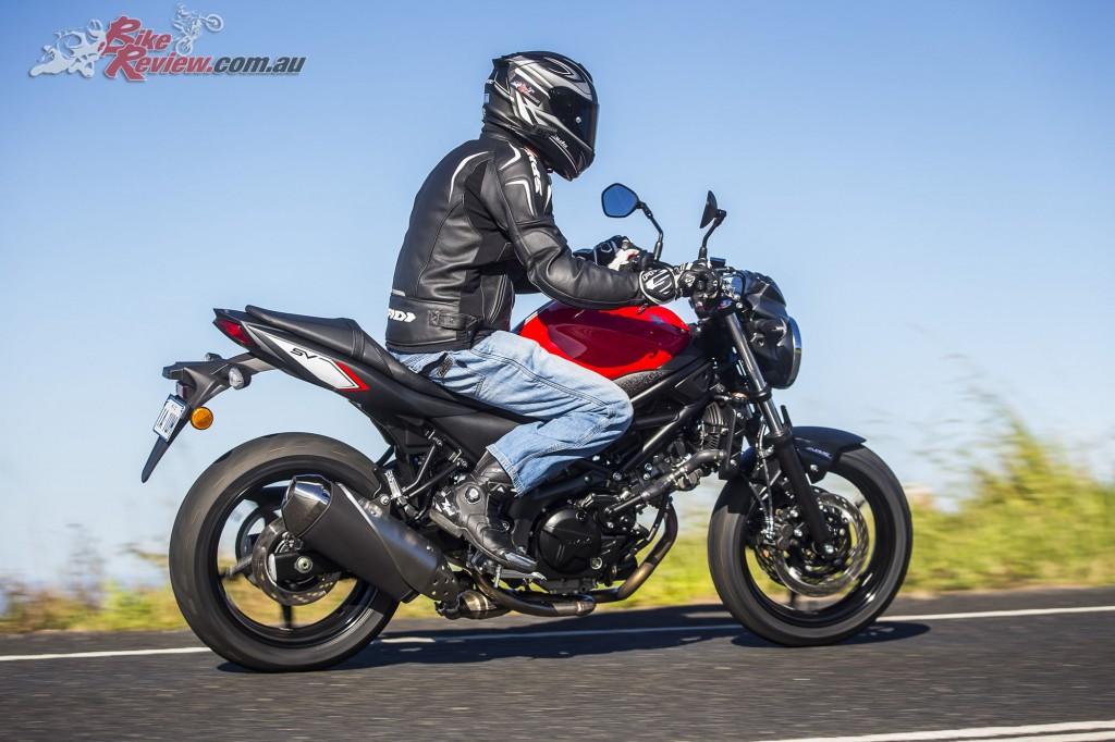 2016 Suzuki SV650 LAMS Bike Review Action (35)