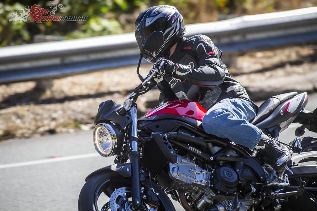 2017 Suzuki SV650 LAMS Bike Review Action (8)