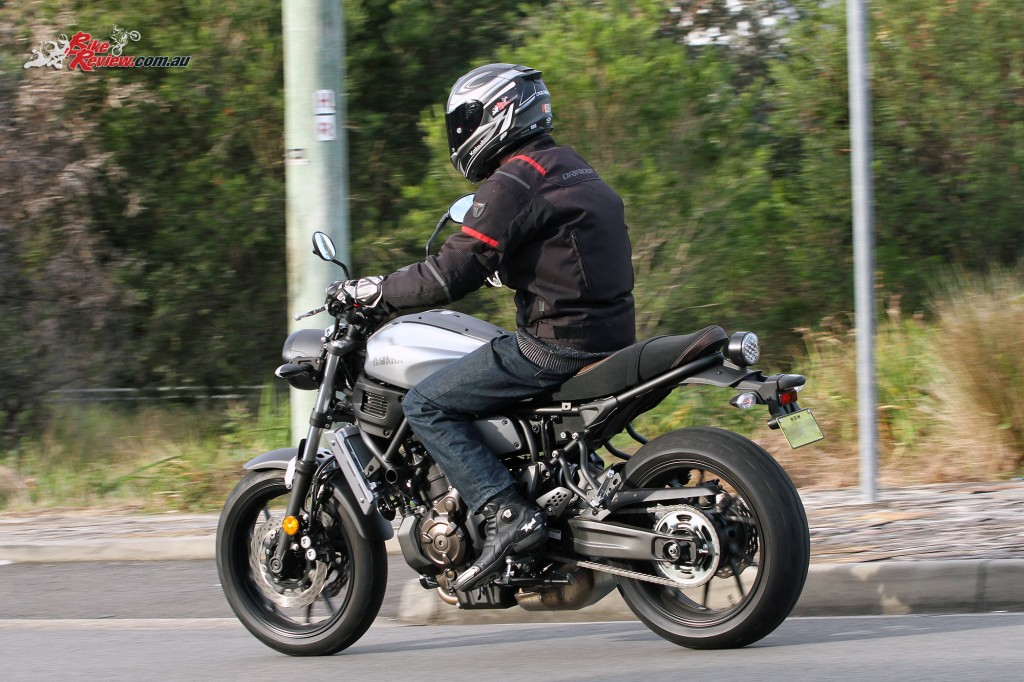 2016 Yamaha XSR700 Bike Review Action (10)