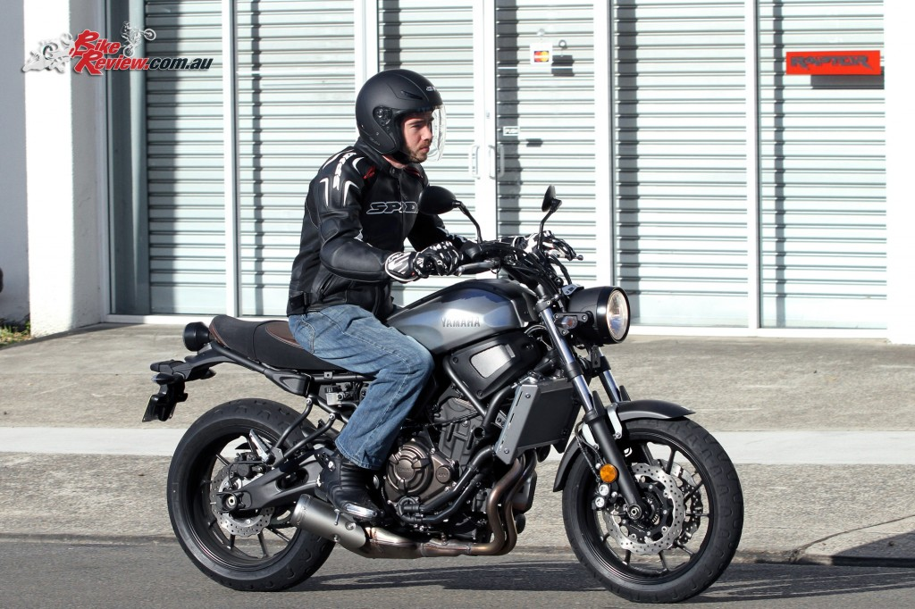 2016 Yamaha XSR700 Bike Review Action (14)