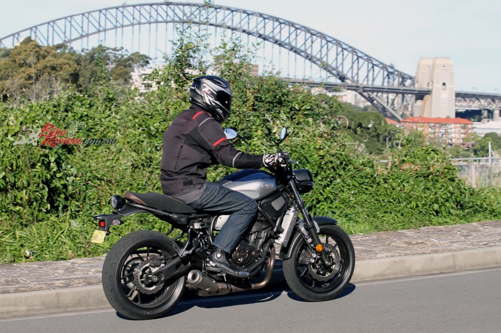2016 Yamaha XSR700 Bike Review Action (4)