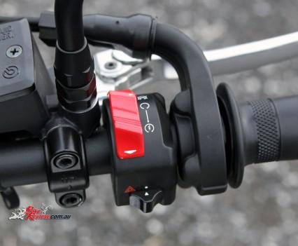 2016 Yamaha XSR700 Bike Review Det (15)