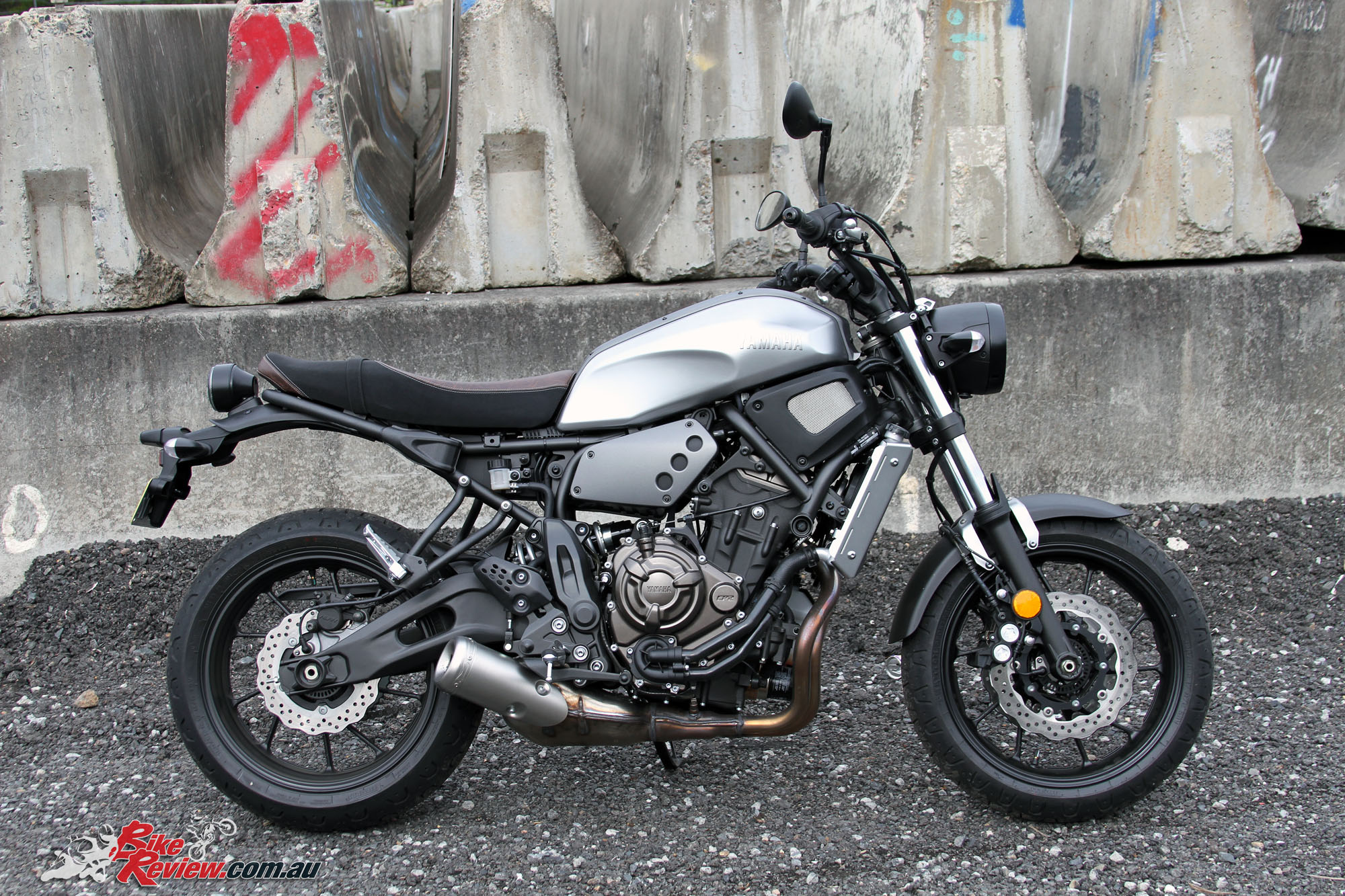 2016 Yamaha XSR700 Bike Review Stat 5