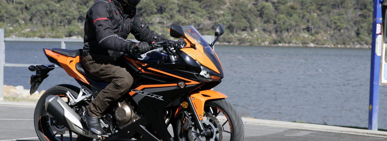 2016 Honda CBR500R Bike Review (3)