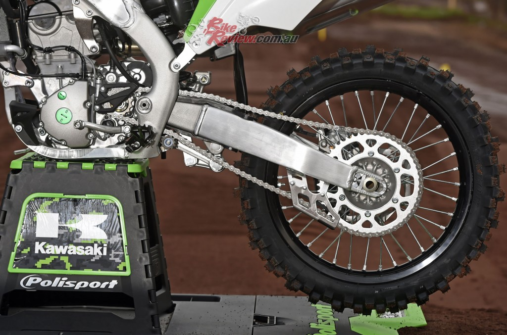 2017 Kawasaki KX250F Bike Review Det (10)