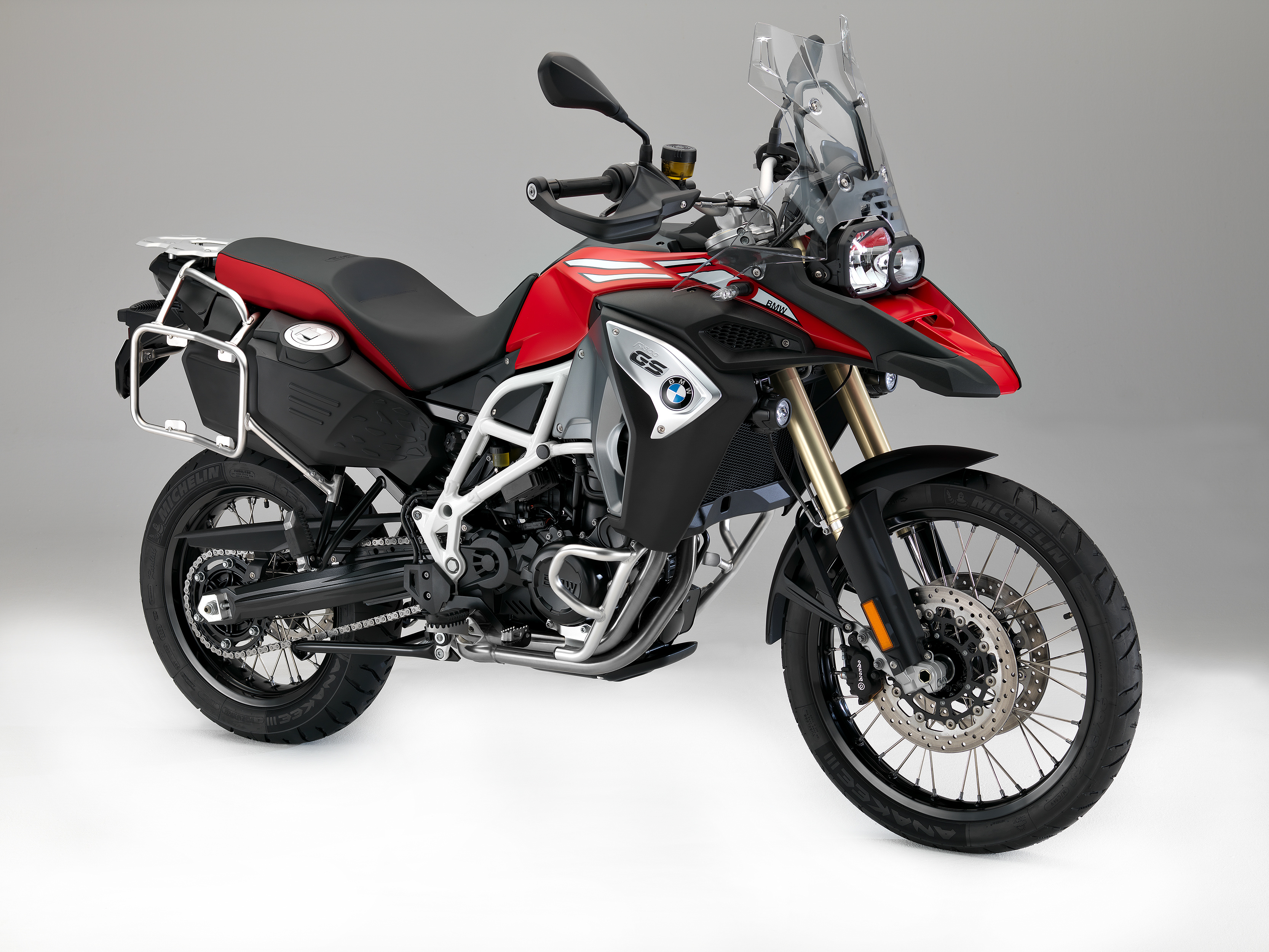 new f 700 gs f 800 gs adventure bike review. Black Bedroom Furniture Sets. Home Design Ideas