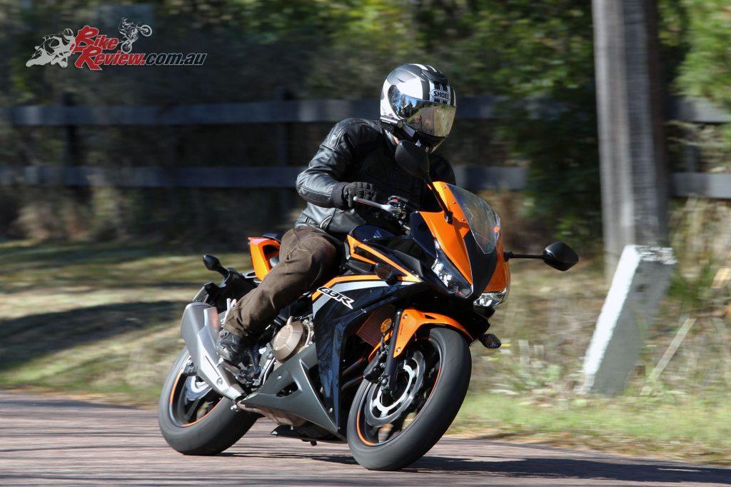 2016 Honda CBR500R Bike Review (4)