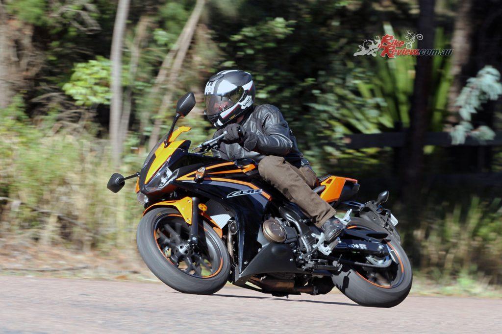 2016 Honda CBR500R Bike Review (9)