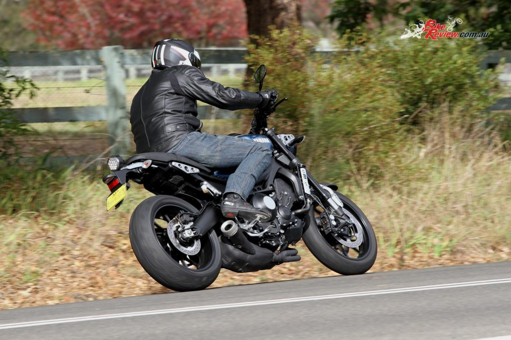 2016 Yamaha XSR900 Bike Review Actions (3) copy