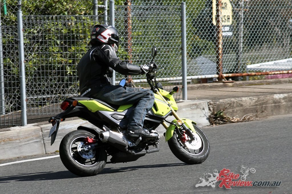 2016 Honda Grom 125 - Bike Review (6)
