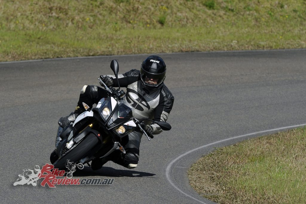 Big Bore Nakedbike - Aprilia Tuono V4 - Bike Review (8) copy