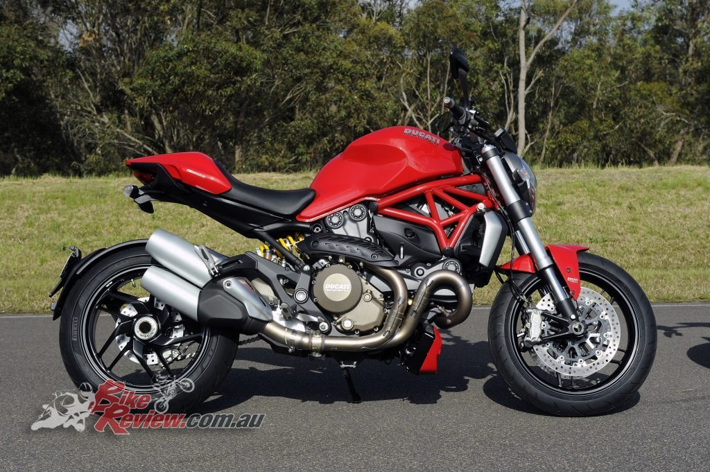 Big Bore Nakedbike - Ducati Monster 1200 - Bike Review copy