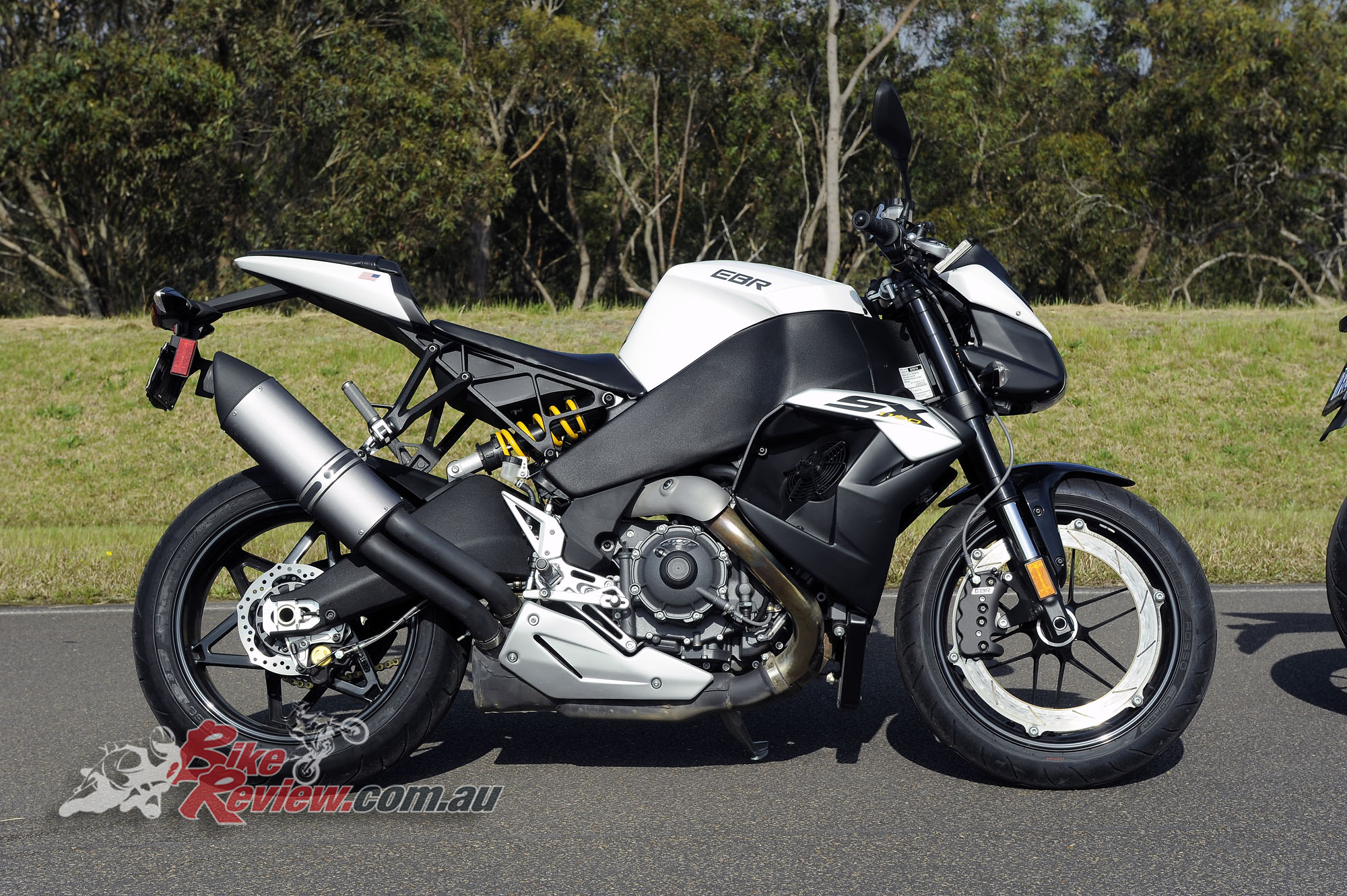Big Bore Nakedbike - EBR 1190SX - Bike Review copy