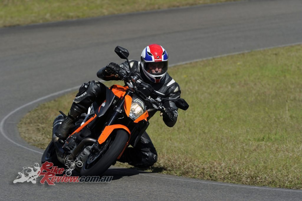 Big Bore Nakedbike - KTM 1290 Super Duke - Bike Review (2) copy