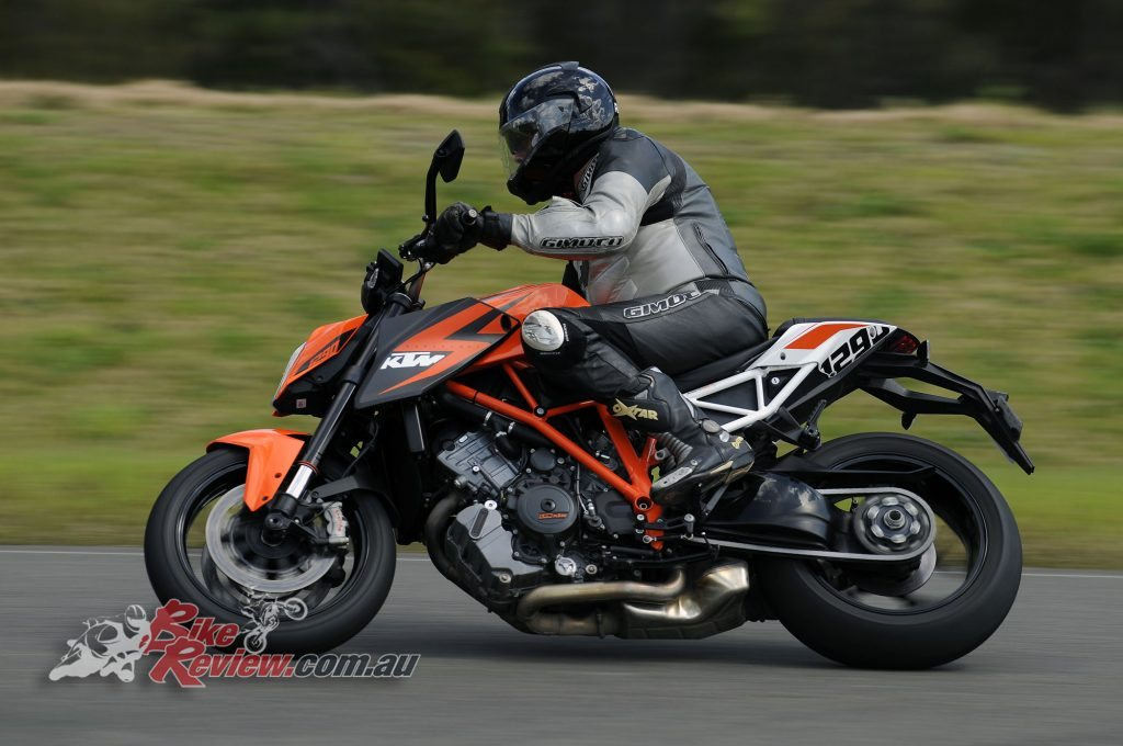 Big Bore Nakedbike - KTM 1290 Super Duke - Bike Review (6) copy