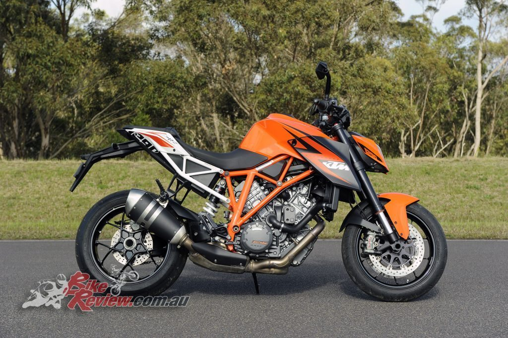 Big Bore Nakedbike - KTM 1290 Super Duke - Bike Review copy