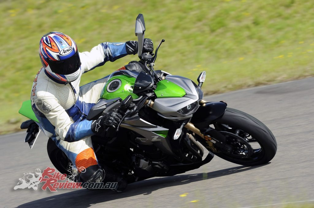 Big Bore Nakedbike - Kawasaki Z1000 - Bike Review (2) copy