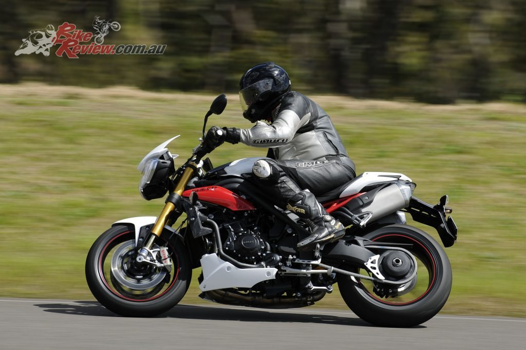 Big Bore Nakedbike - Triumph Speed Triple R - Bike Review (7)