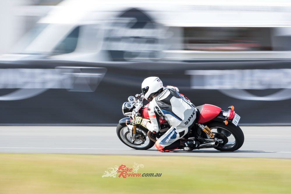 Bike Review Thruxton R20160906_1011