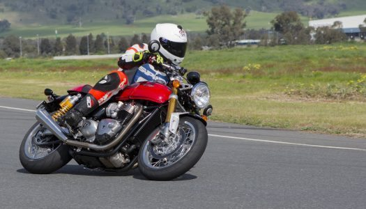 2016 Triumph Thruxton R Review