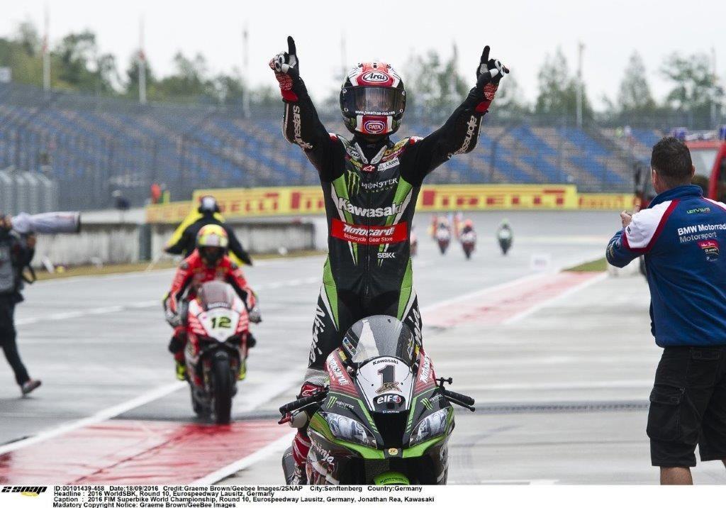 Jonathan Rea bounces back, victor race 2