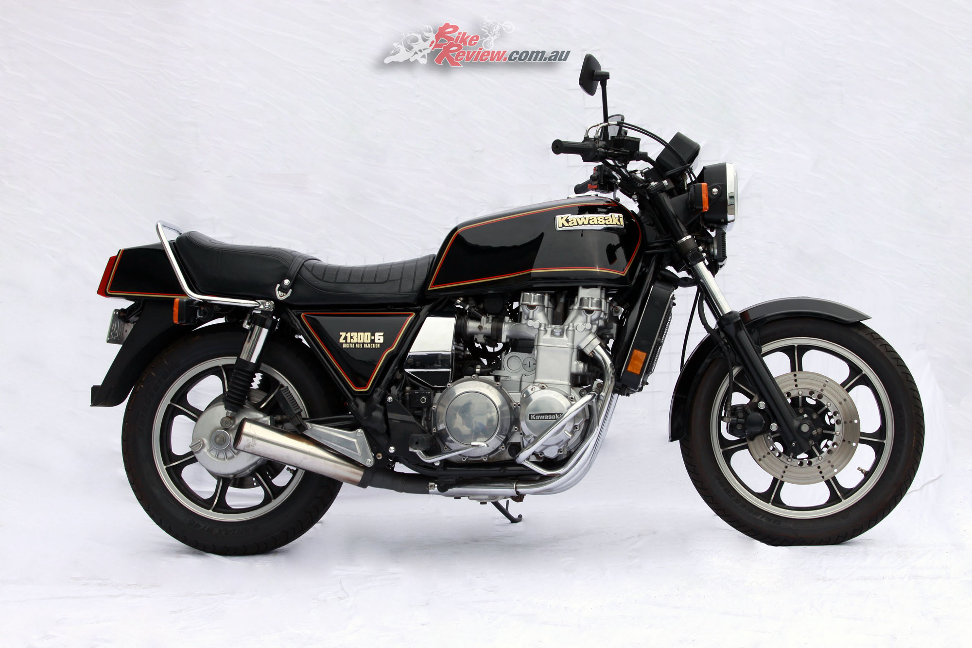 Clic Collectable: Kawasaki Z1300 Six - Bike Review