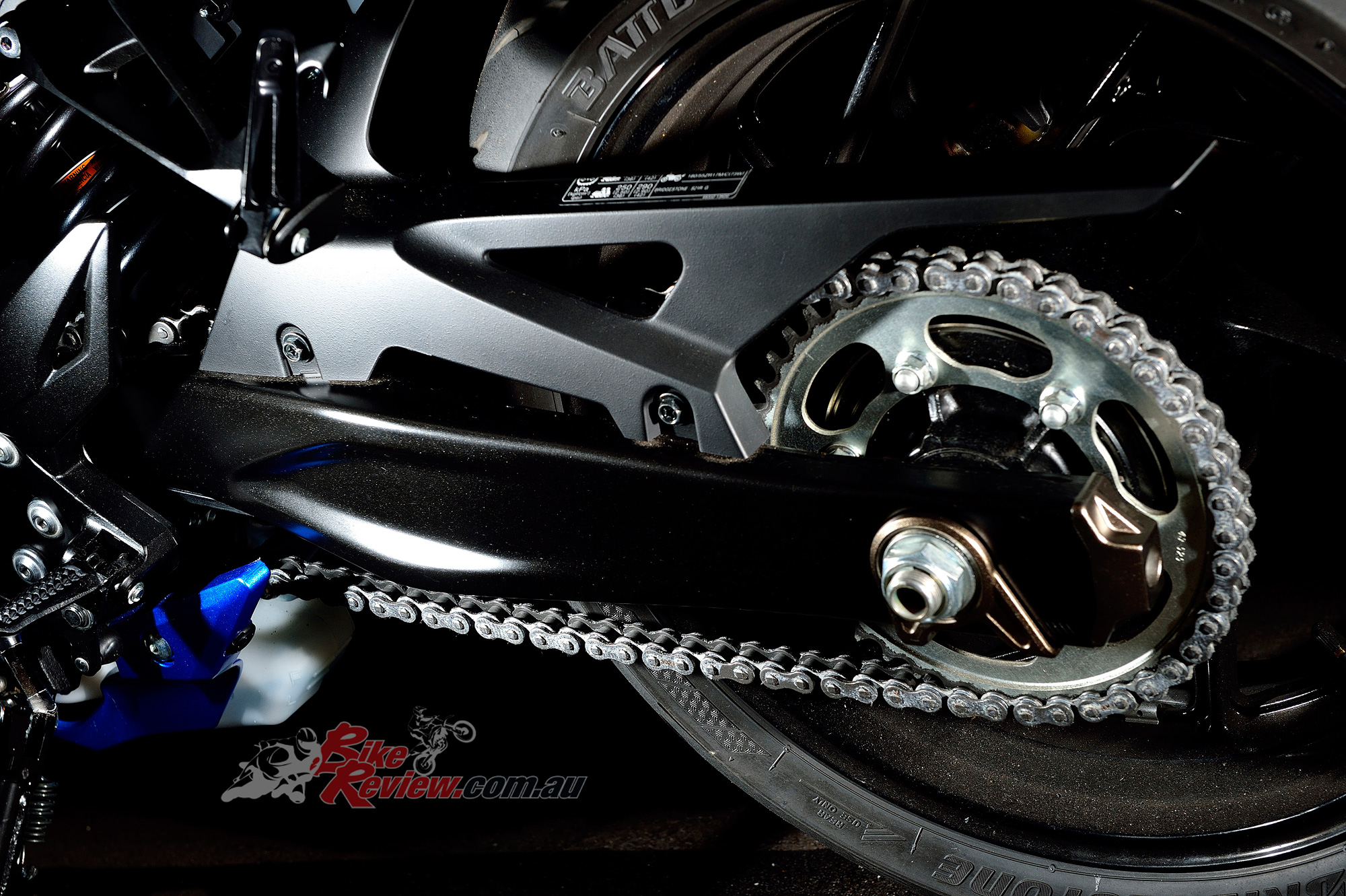 Sexier swingarm and wheels!