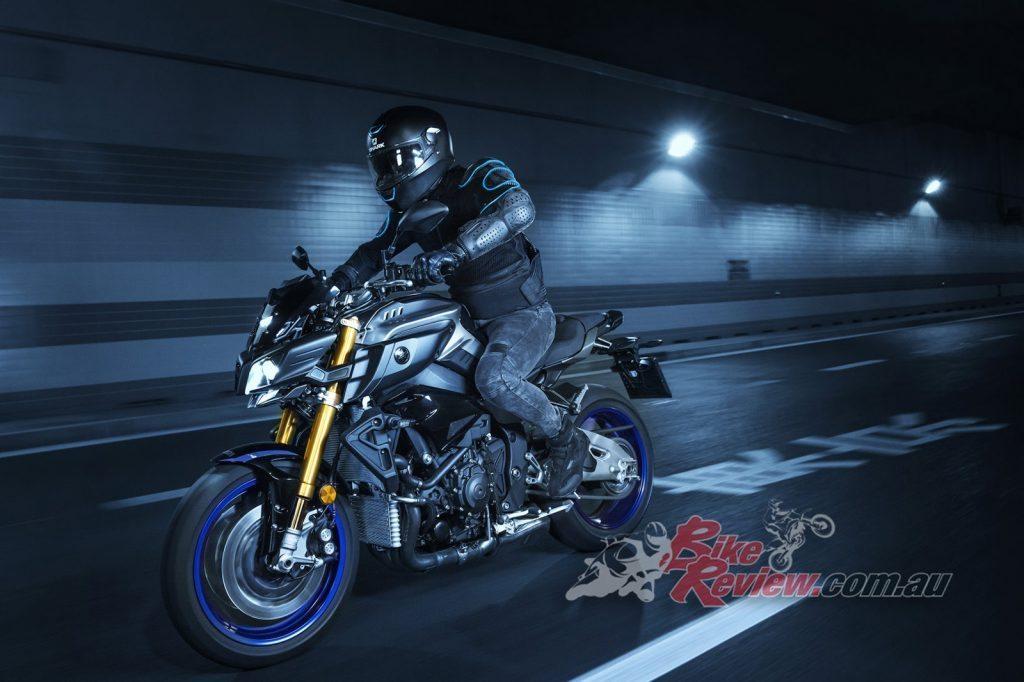 2017 Yamaha MT-10 SP, Silver Blu Carbon