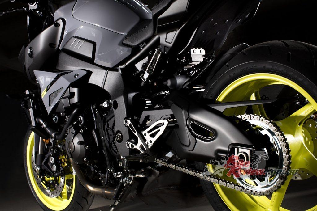 2017 Yamaha MT-10, QSS