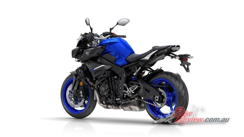 2017-Yamaha-MT-10-static-Bike-Review-8