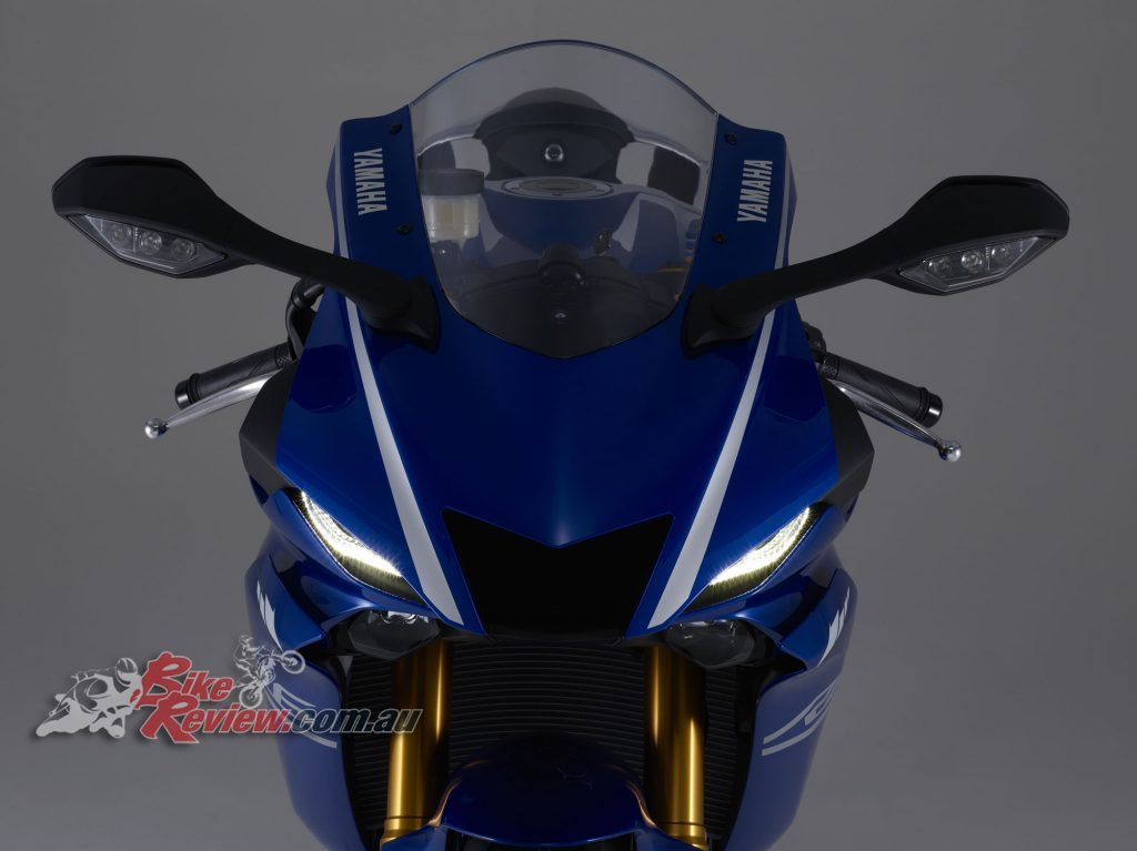 2017 Yamaha YZF-R6, restyled nose fairing.